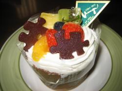 カップケーキにジグソーパズル型のチョコがかわいい(^^)