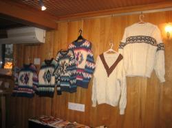 色違いや柄違いで家族のセーター
