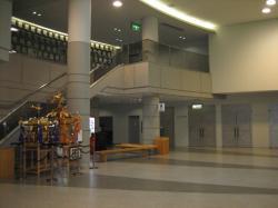 広くてきれいなエントランスホール