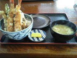 深川市駅前の「お食事処 光」 天丼900円