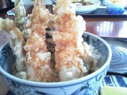 カリッと揚がった天ぷらがおいしい♪