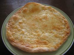 ピザ生地みたいな「ぱりぱりチーズ」140円