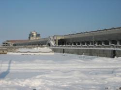 オホーツクタワーと結氷した港