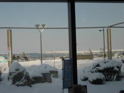 窓からは流氷が見えました(*^_^*)