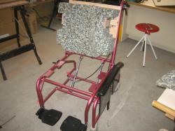 室内用車椅子を制作中