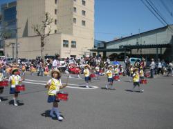 幼稚園児・保育園児の行進はかわいいですね♪