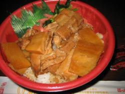 豚角煮丼 500円