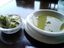 お豆のスープとサラダ♪