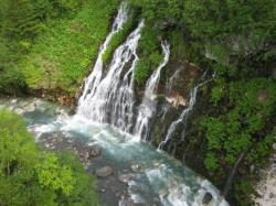 涼しげな滝を眺めて(^^)