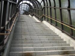 この階段、何段あるんだぁ???