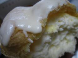 ホワイトチョコレートとホワイトクリーム