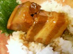 豚角煮丼 とろとろの角煮です(^^)