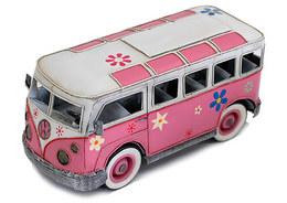 ピンクのワーゲンバス