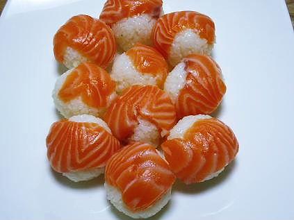 手まり寿司(サーモン)