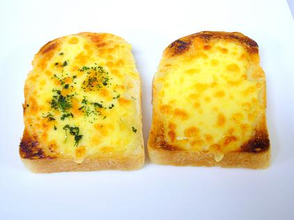 マヨチーズトースト