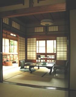 ひばり荘角部屋