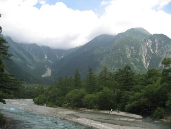 梓川と連峰