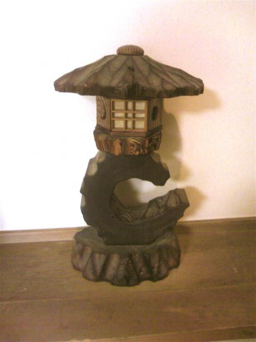 青風荘・玄関の灯籠