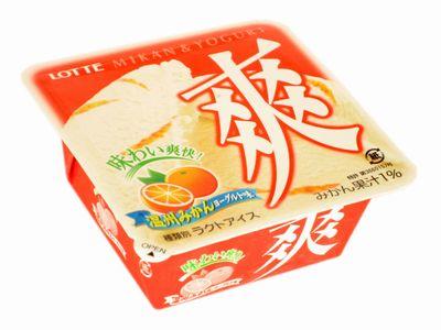 LOTTE--爽 温州みかんヨーグルト味。