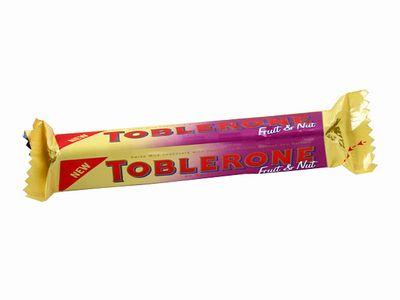 TOBLERONE--フルーツ&ナッツ(ハニー&アーモンドヌガー&レーズン)。