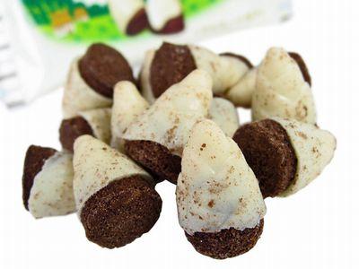 Meiji--たけのこの里 クッキー&クリーム。