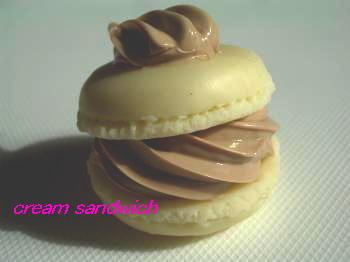 チョコクリームマカロン1