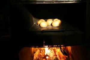 石窯で焼く森のクリームチー
