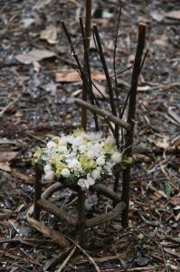 お花の上にも雪積もる