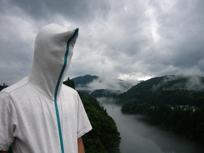 WINGFORM 霧をバックに