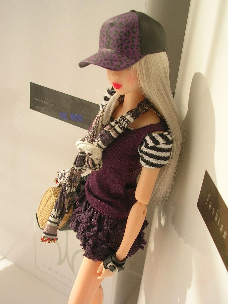 Tin Girl10