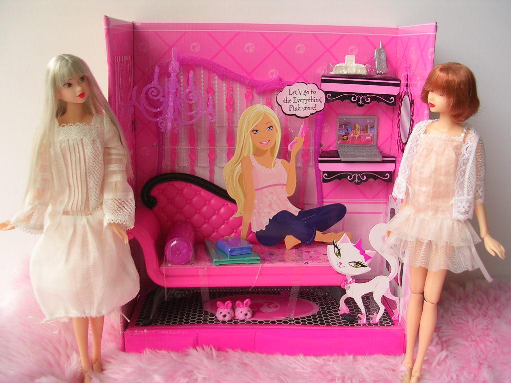 ピンクだいすき バービーのソファ 1