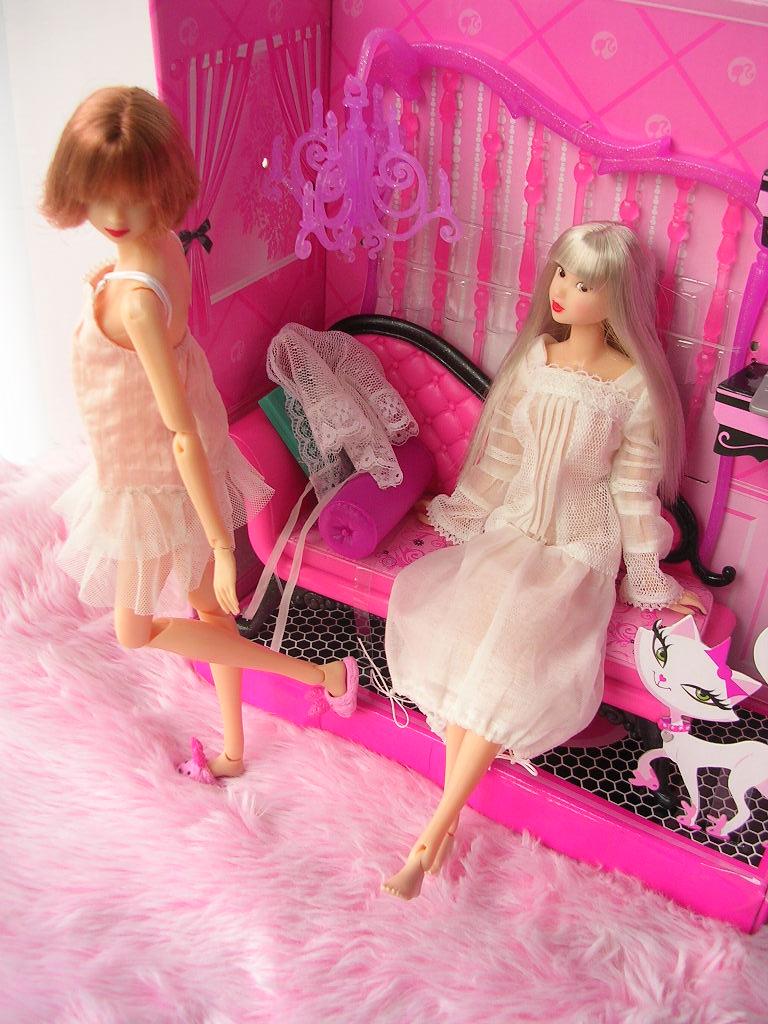 ピンクだいすき バービーのソファ 5