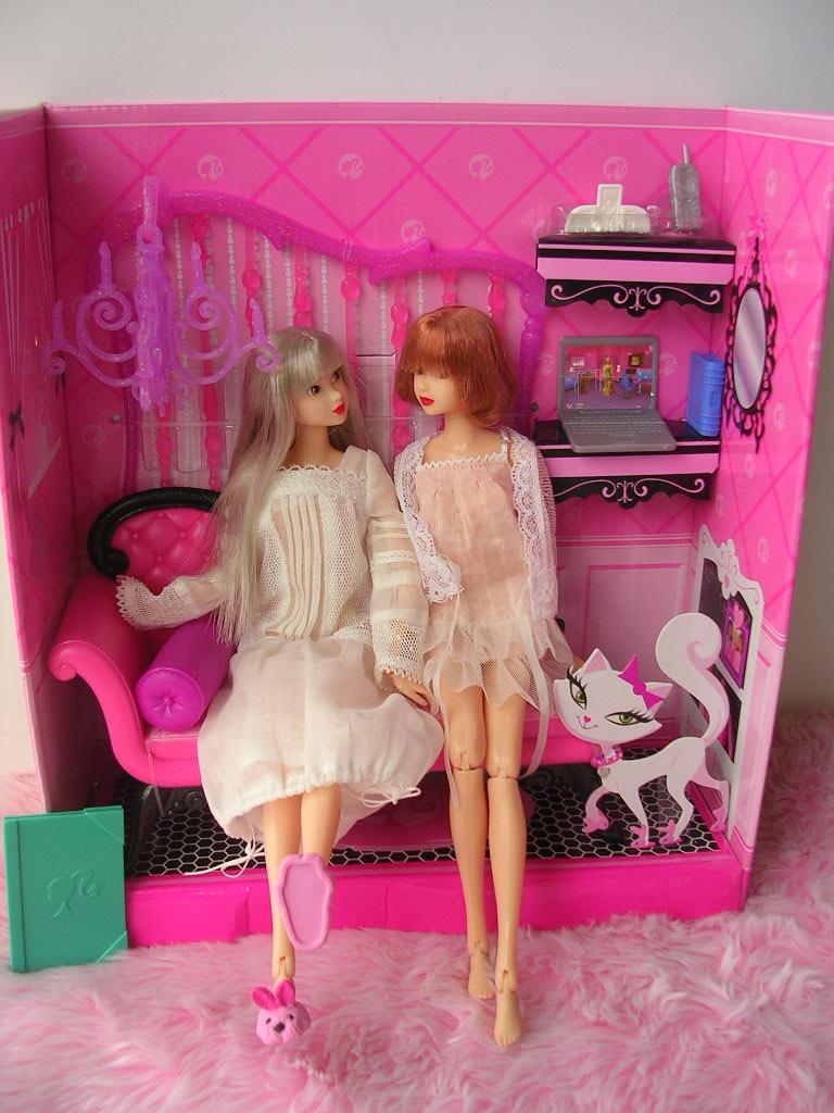 ピンクだいすき バービーのソファ8