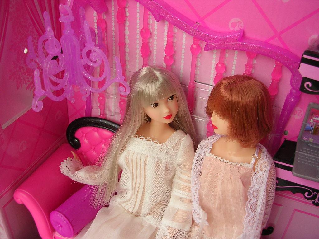 ピンクだいすき バービーのソファ10