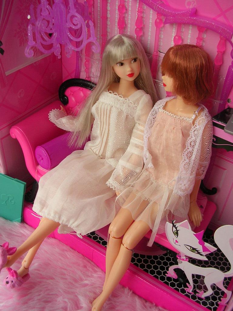 ピンクだいすき バービーのソファ11