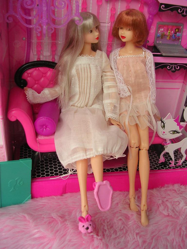 ピンクだいすき バービーのソファ12