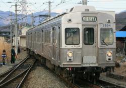 下之郷駅にて