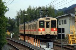 引き上げ線を出る和歌山行き(2007.3.10)