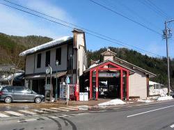 旧谷汲駅舎(現・昆虫館)