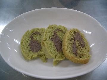 黒豆のロールケーキ