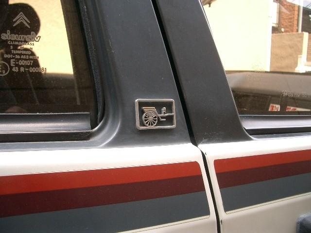 4TC-detail-emblem.jpg