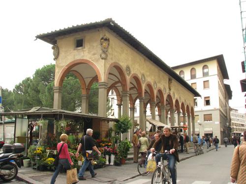 イタリア 市内 モール