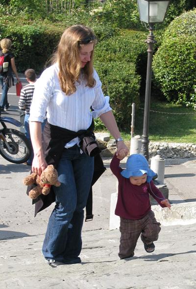 イタリア フィレンツェ 子供 歩く
