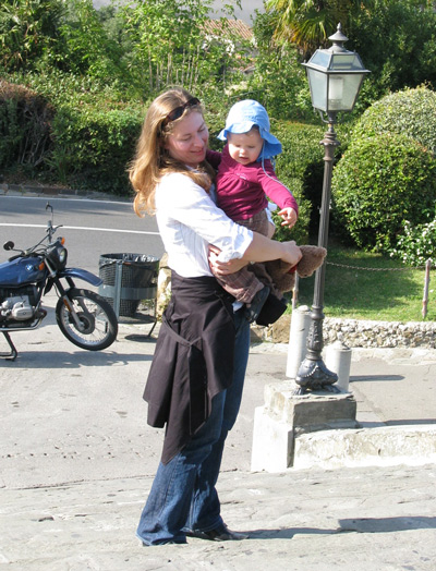 イタリア フィレンツェ ミケランジェロ広場 抱っこ