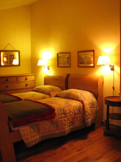 イタリア フィレンツェ カーサパルミラ ベッド