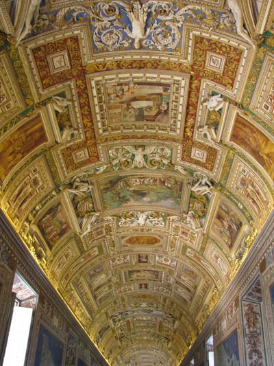 イタリア ローマ ヴァチカン美術館 廊下天井