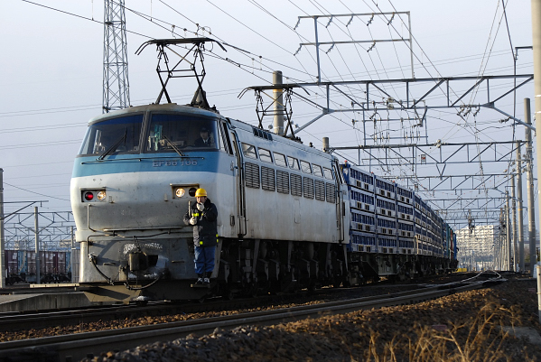 入れ替え中の3562レ  EF66-106