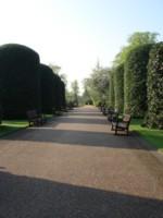 宮殿前のお庭