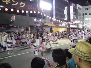 躍動的な男踊り