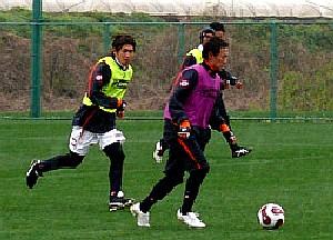 03 Apr 07 - A rare shot of Naoto Sakurai kicking a football